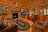 1 Bedroom Cabin with a Fireplace