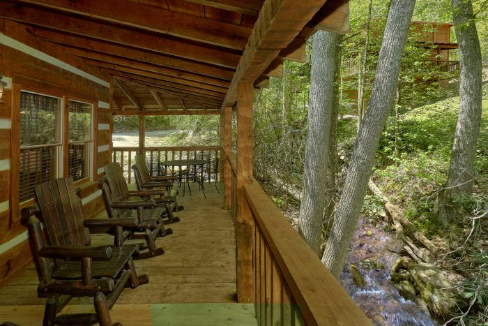 1 Bedroom Cabin with outdoor dining - Cuddle Creek Cabin