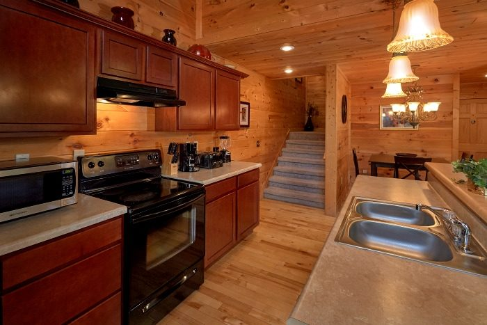 Premium 3 Bedroom Cabin with Full Kitchen - Fort Knoxx