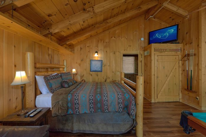 3 Bedroom Cabin Sleeps 8 with Loft Bedroom - Gatlinburg Splash