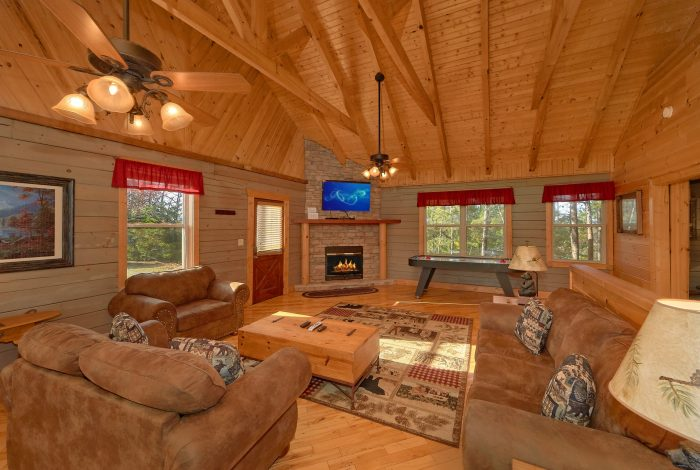 Pigeon Forge Cabin with Air Hockey Table - Higher Ground