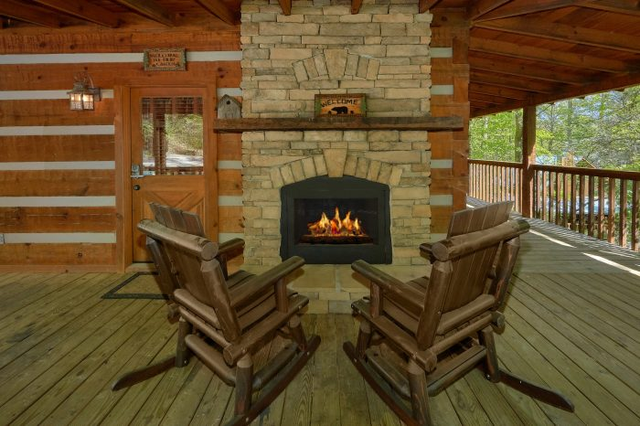 1 Bedroom cabin with a Loft - Kicked Back Creekside