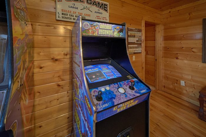 Cabin with Multiple Arcade Games in Game Room - Knockin' On Heaven's Door