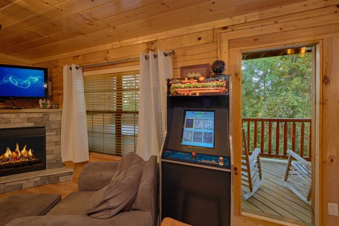Cabin with Game Room, Arcades and Pool Table - Knockin' On Heaven's Door