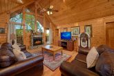 Luxurious 4 Bedroom Cabin with FIreplace