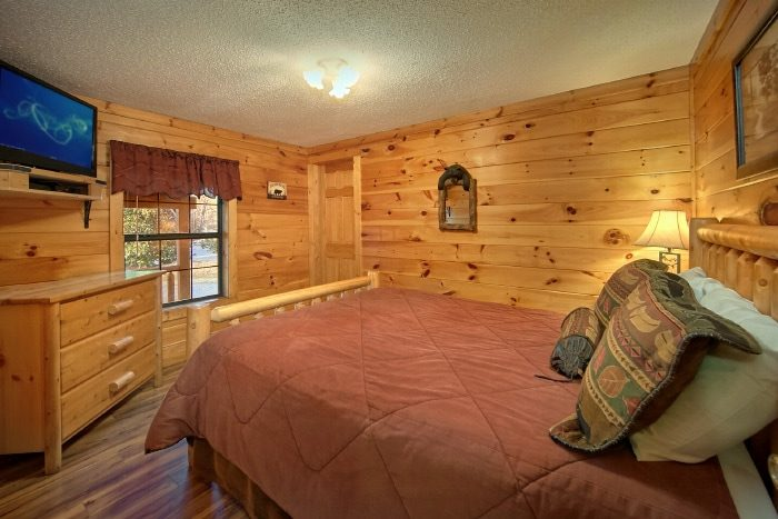 Premium Cabin Rental with 2 Queen bedrooms - Lacey's Lodge