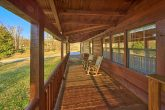 3 Bedroom Cabin with Flat Parking and Yard Space