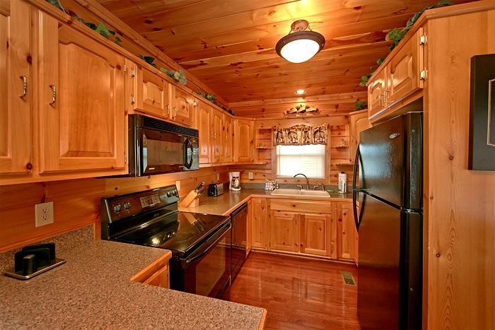 Smoky Mountain Cabin with and Equipped Kitchen - Lucky Break