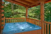 3 Bedroom Cabin with an Outdoor Hot Tub