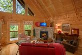 Spacious 1 Bedroom Cabin with Fireplace