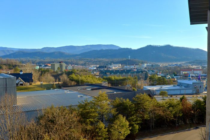 Premium Condo with Private Balcony Mountain View - Mountain View 2704