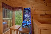 2 bedroom cabin with Pinball Arcade Game