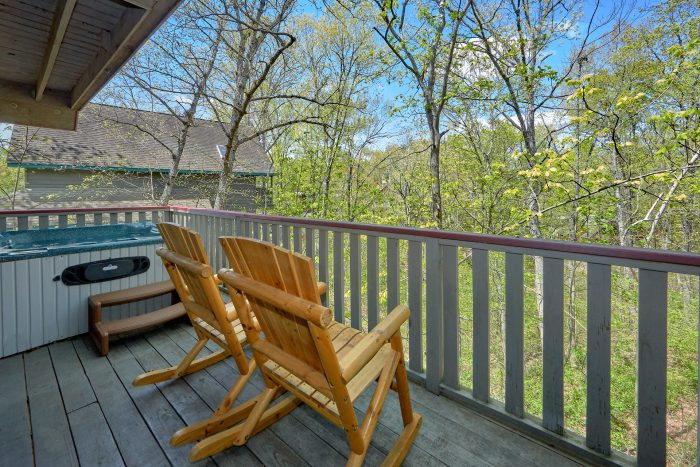 Pigeon Forge Cabin with Hot Tub Sleeps 6 - Rays Inn