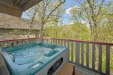Rustic 2 Bedroom Cabin with Hot Tub Sleeps 6