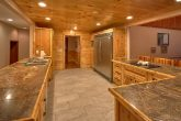 6 Bedroom Cabin Sleeps 20 with Extra Seating