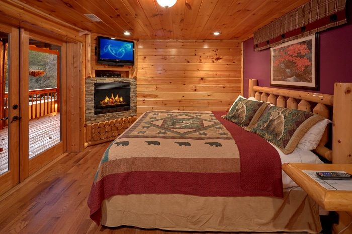 6 Bedroom Cabin with Main Floor King Bed - River Adventure Lodge