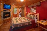 6 Bedroom Cabin with 2 Main Floor Master