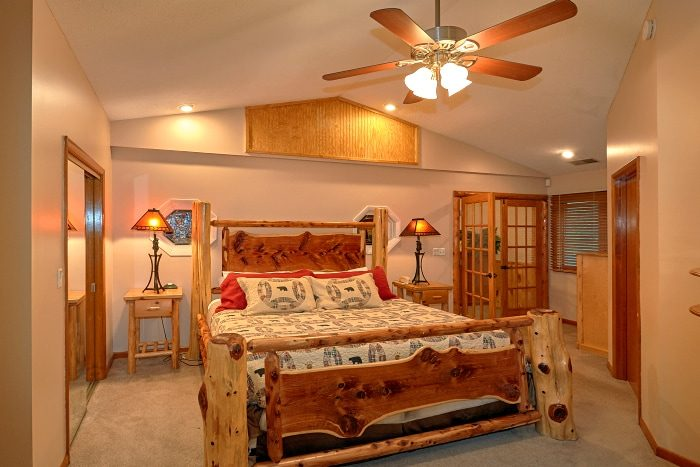 6 Bedroom Cabin Sleeps 20 On The River - River Adventure Lodge