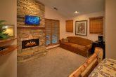 6 Bedroom Cabin Sleeps 20 With 4 Master Suites