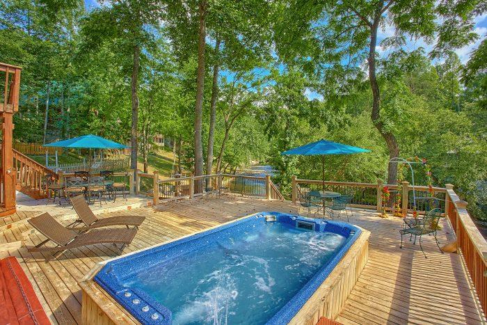 Swim Spa 6 Bedroom Cabin On The River - River Adventure Lodge