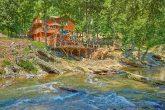 River Adventure Lodge 6 Bedroom Cabin Sleeps 20