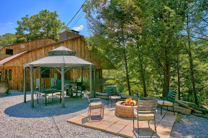 River Mist Lodge Cabin Rental Photo