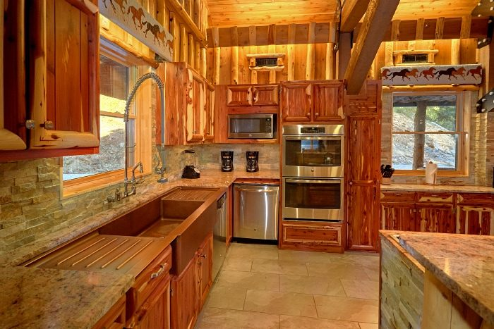 Cabin on the River with Double Fridge and Oven - River Mist Lodge