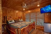 Cabin on the River with Private Jacuzzi Tub