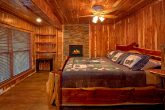 Cabin on the River with 5 King Bedrooms & Baths