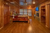 6 Bedroom Cabin with Luxurious Steam Showers