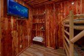 6 Bedroom Cabin with Deck overlooking the River