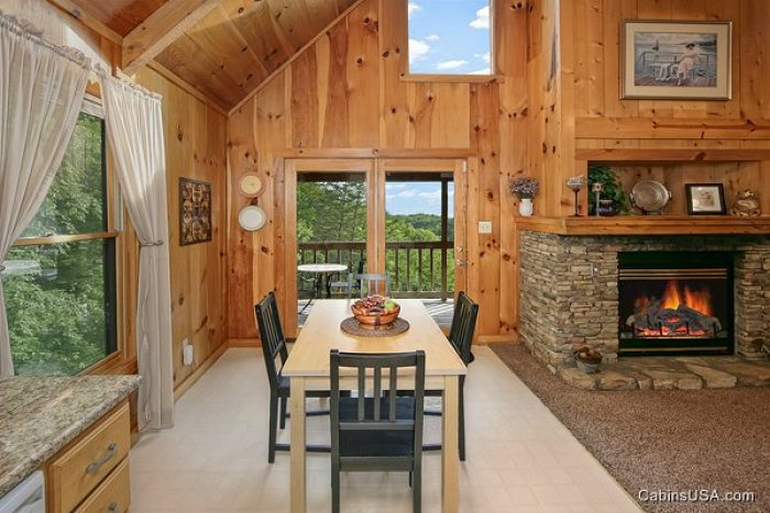 1 Bedroom Cabin with Kitchen and Dining Table - Serenity Ridge