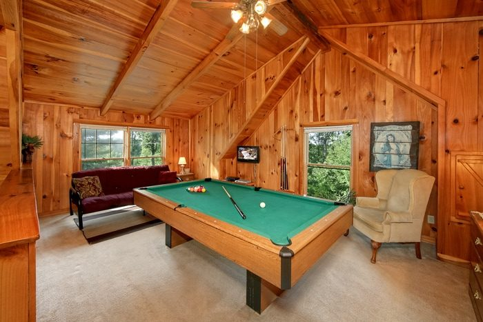 1 Bedroom Cabin with a Game Room with Pool Table - Serenity Ridge