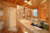Luxury Honeymoon Cabin with 2 full Baths