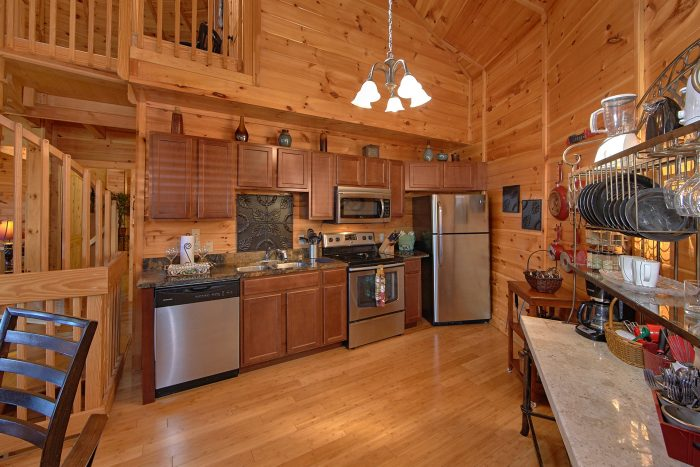Full Kitchen and Dining Room in 3 Bedroom Cabin - Star Gazer