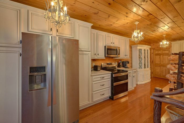 Luxurious Kitchen 3 Bedroom Cabin Sleep 9 - Sugar Bear View