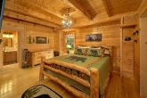 3 Bedroom Cabin Sleeps 9 Master Suite