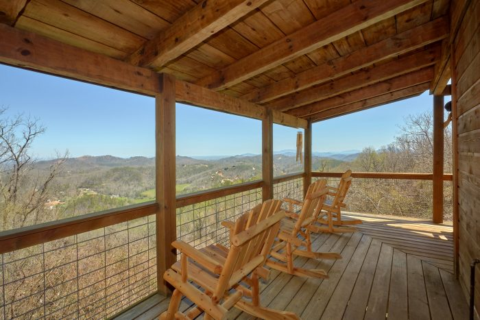 Spectacular Views 3 Bedroom Cabin Sleeps 9 - Sugar Bear View
