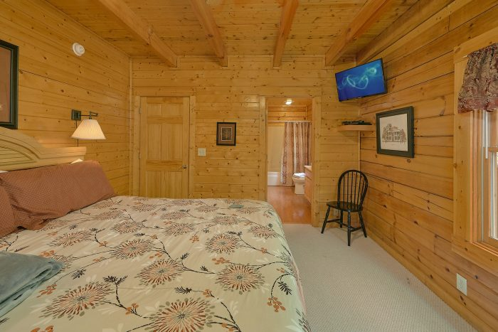 Cabin with Shower in Bathroom - Suite Retreat