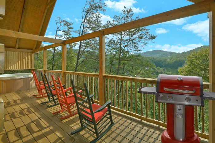 Mountian/Wooded Views from Cabin - Suite Retreat