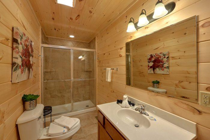 Indoor Pool 2 Bedroom Cabin Sleeps 6 - Swimming Hole