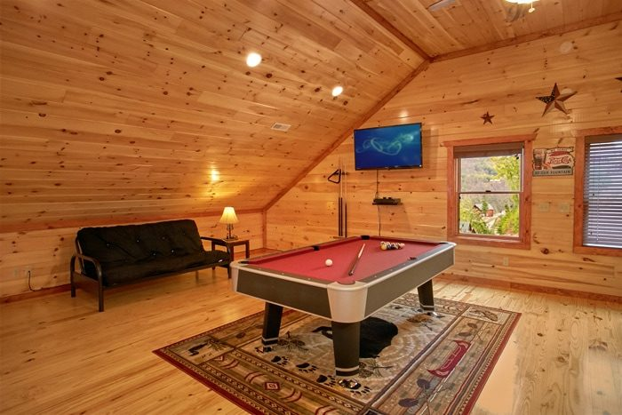 Premium Cabin with Fully Furnished Game Room - The Preserve