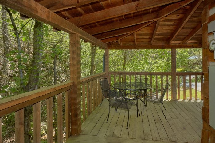 Smoky Mountain Cabin with outdoor dining - Turtle Dovin'